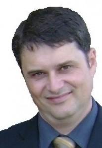 Javier Aira